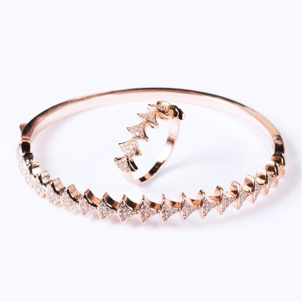 Designer Classic Rings Fashion Bracelets Luxury Design Bangles Hot Sales Engagement Rings Gold Silver Bracelet Rose Rings Jewelry Lover Gift