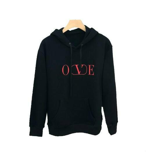 Otoño e invierno juveniles suéter con capucha nueva impresión de la letra hombres y mujeres salvajes con la chaqueta informal cómoda mismo párrafo