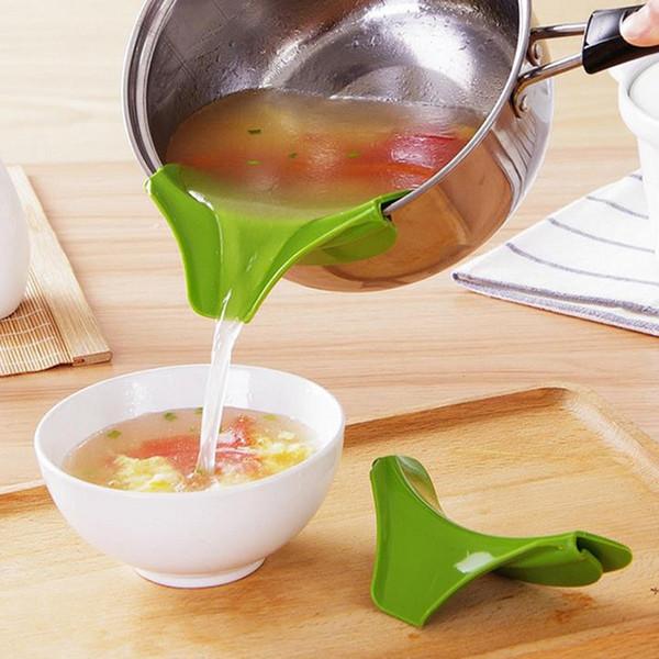 Diretor líquido de silicone para panelas panelas e tigelas à prova de vazamento de sopa Pourer cozinha gadget 3 cores W9660