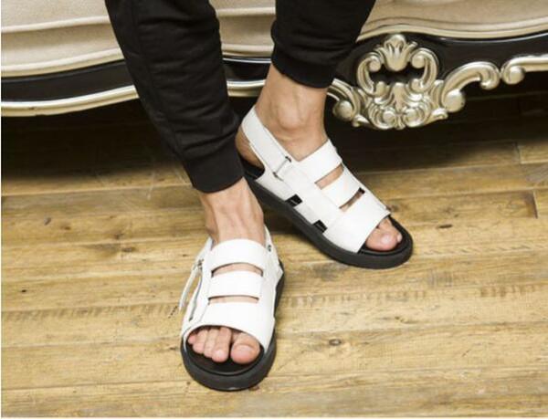 Été cool véritable cuir véritable peau romaine sandales hommes luxe qualité souple en cuir sandales plates côtés fermeture à glissière chaussures de loisirs