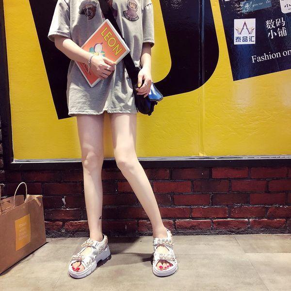 Модные сандалии для женщин Лето 2019 Новые булочки с толстым дном для женщин и женщин Корейская версия