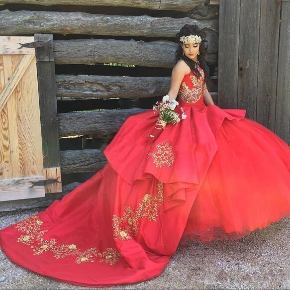Robe De Bal Robe De Quinceanera Robes De Broderie Cherie Perles Dorées Satin Tulle De Luxe Douce 16 Robes Balayage Train
