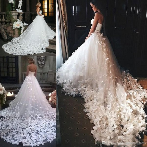 topwedding_dress / 2019 vestidos de novia de princesa con flores y mariposas en el tren de la catedral Árabe Oriente Medio Iglesia Jardín Vestidos de novia para bodas