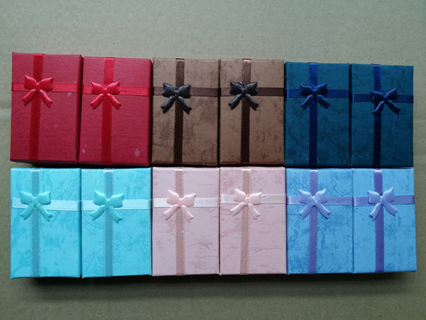 5 * 8 * 2.5 cm Takı Hediye Kutusu Sünger Dolgulu Karton Kolye Küpe Yüzük Kutuları Yıldönümleri için, düğünler, doğum günleri veya Takı Perakende