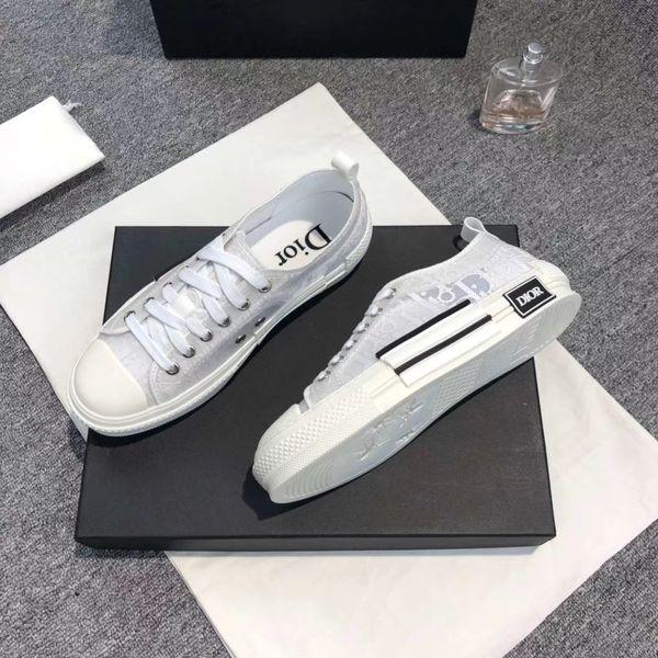 Erkekler ve Kadınlar Sneakers Düşük En Bottoms Parti Düğün kristal perçin V35 için Klasik SICAK 2020 En Sneakers alt pabuç Düşük Kesim Süet Ayakkabı