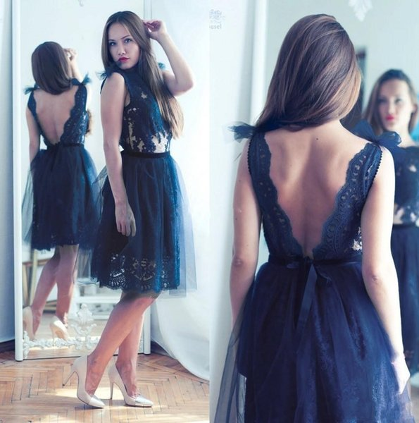 Sexy V Cut Backless Cocktail Dresses Navy Blue Lace Appliques Knee Length Girls Short Prom Party Gown