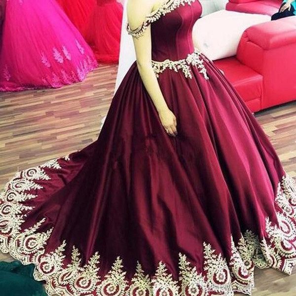2019 Prom Dresses Burgundy Off Shoulder Ruched Draped Gold Lace Appliques Beads Satin Sweep Train Ball Gown Evening Gowns Pageant Dresses