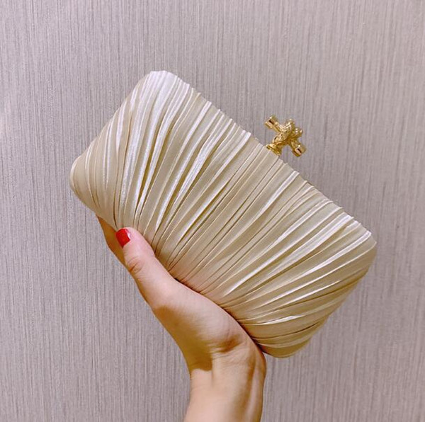 New season Women Pleated party Bags Stripes Dress party Evening bags Simplicity fashion Chains Cross bag lady Handbags New trend products