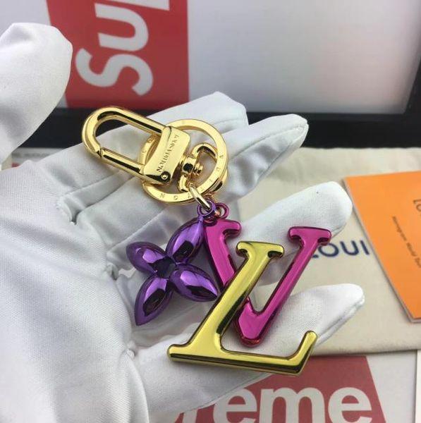 2019 Original box luxury key chain designer wallet pendant bag dog design doll car chain fashion key chain 6 colors high quality