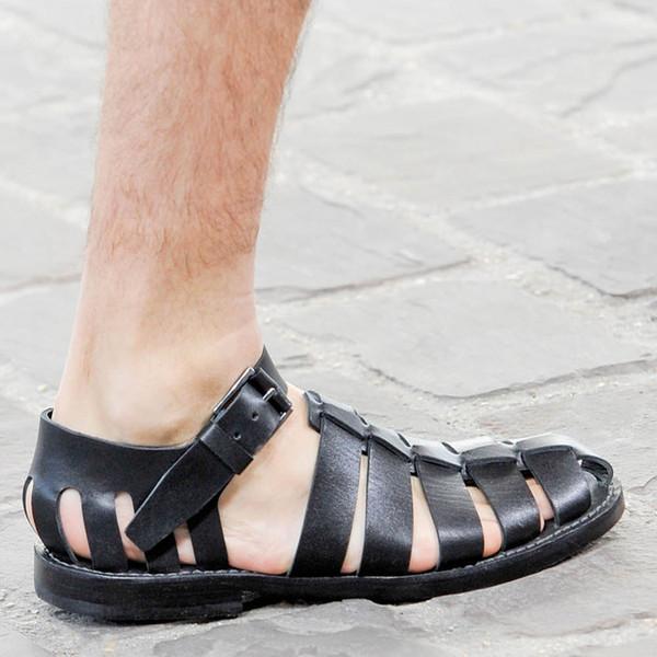 2019Punk Stil Gladyatörler kesip Eğlence Sandalet Düz topuk Burun Balıkçılar Mens Sandalet