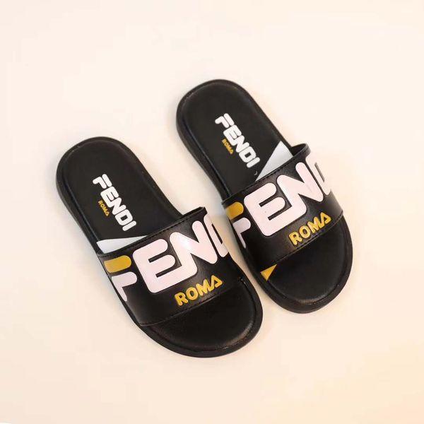 Sandali ragazzo nero sandali moda lettera design per bambino in gomma suola estate pantofole pantofole sandali di alta qualità Eu 26-35