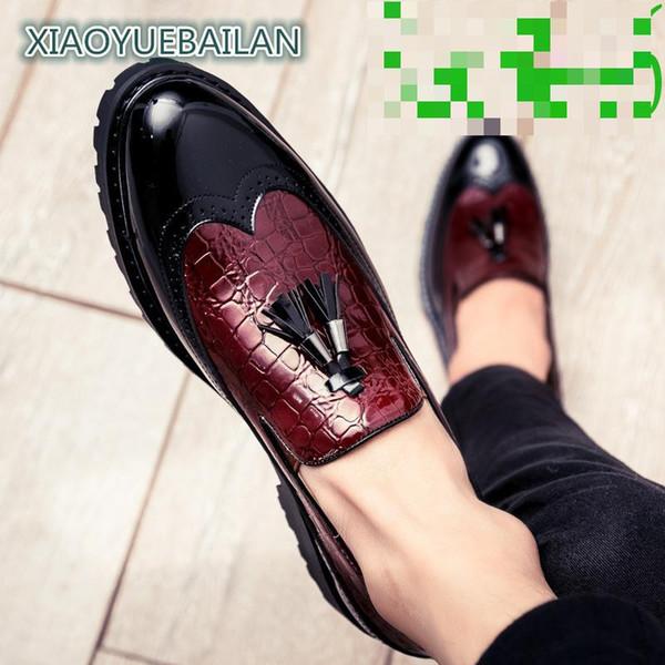 Moda, de moda, de poner un pie, zapatos de cuero ocasionales, Bloque de los hombres de suela gruesa tallada, British Elevación de la borla