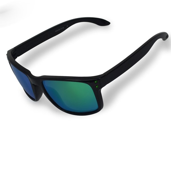 Golss black green and green