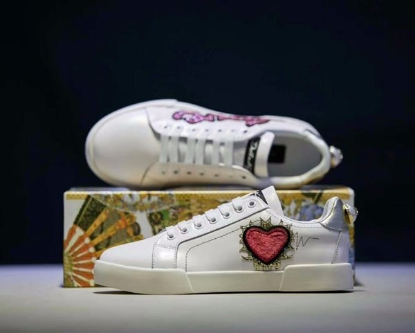 Small red hearts and pink sequins letter printing tide women must have small white shoes fabric feet comfortable and breathable