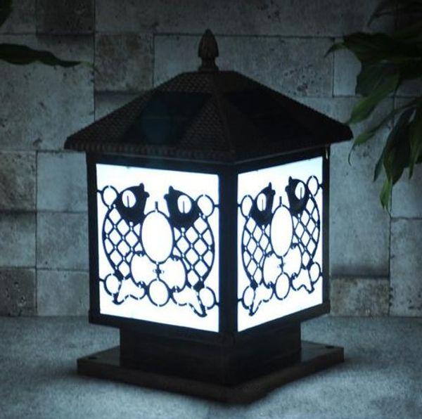 Acabado de bronce Gardon, energía solar, luces traseras, poste, tapa con cuerpo de aluminio, cubierta de lámpara de acrílico, liviano para la cubierta de la villa al aire libre LFA