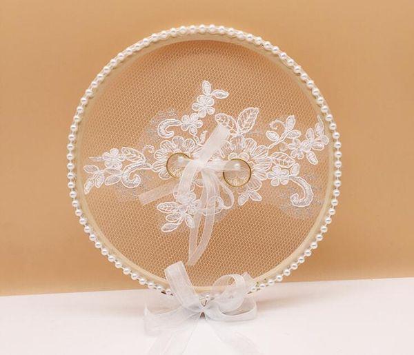 Fede nuziale Cuscino Hollow Butterfly Anello tondo Anello Wedding Mariage Decor Anello Cuscino Perla con farfallino