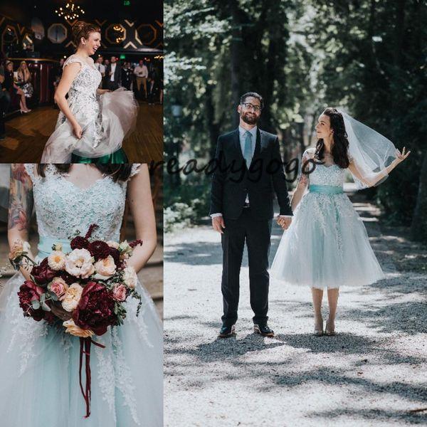 Hortelã Verde Retro Crochet Lace Chá Comprimento Vestidos de Casamento 2019 Do Vintage Curto Ao Ar Livre Bohemian País de recepção vestido de Noiva
