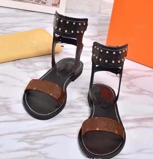 2019 Popular Summer Luxury Ladies Canvas gladiator style flats shoes black golden studs women's nomad sandal Party Sexy Fashion Ladies Shoes