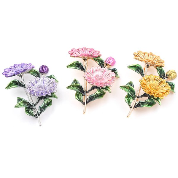 3 Renkler Sevimli Papatya Güneş Çiçek Broş Emaye Broş Krizantem Metal Kadınlar Için Moda Buket Elbise Korsaj Pimleri Takı