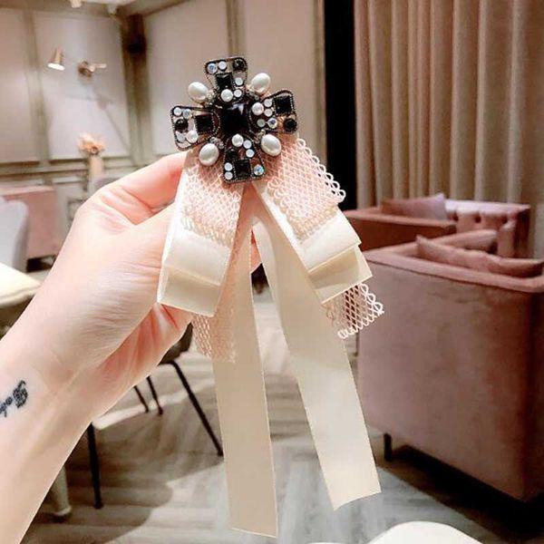 Gros Cristal Perle Croix Broches Dentelle Bowknot Corsage Femmes Costume Chemise Accessoires Cravate Styles Broche Bijoux