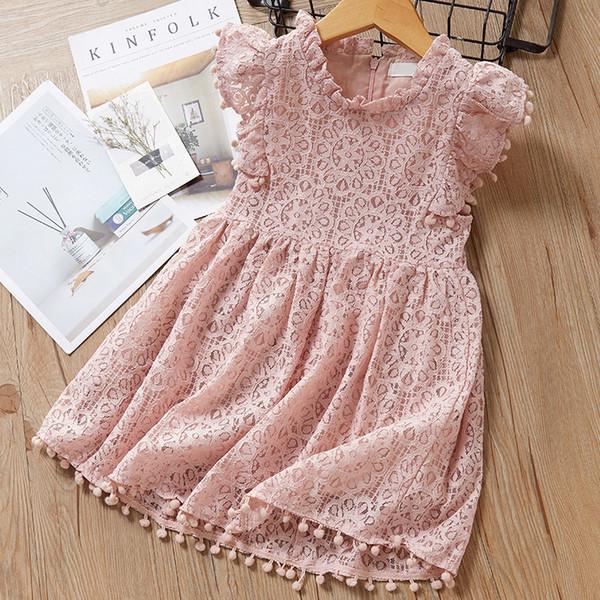 Niñas hueco hacia fuera princesa vestidos del cordón del verano 2019 Niños Boutique Ropa coreana 1-6Y niñas de Pom Pom de la llamarada de las mangas de los vestidos