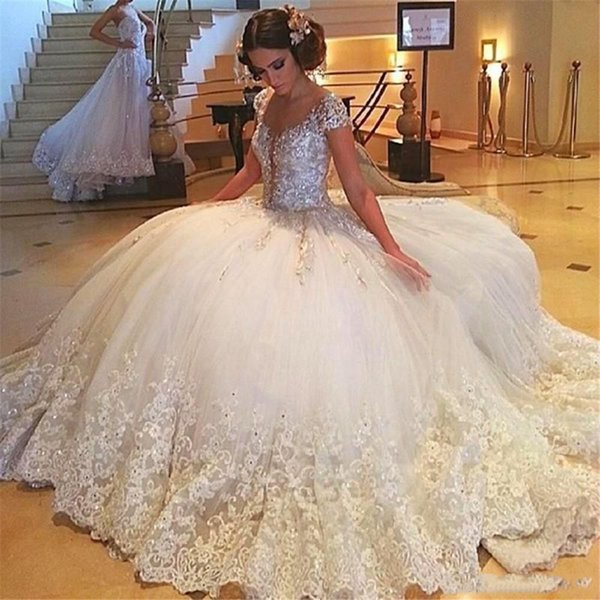 Gorgeous Ball Gown Wedding dresses With Scoop Neck short Sleeves Lace Appliqued Beaded Arabic Wedding Gown Custom Made