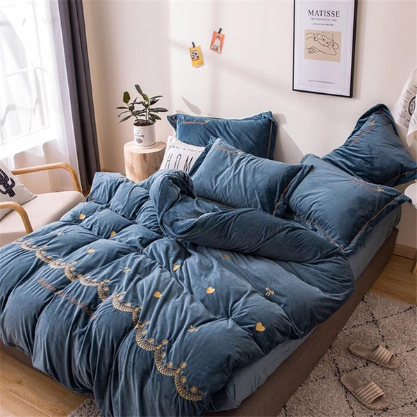 2019 New Four-piece Bed Linen Stitch Bedding Set Comforter Bedding Sets Thickened Crystal Velvet Embroidery Cama