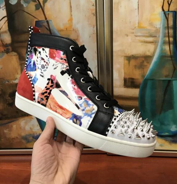 2019 New Arrivla Moda Mens Womens preto SheepSkin com Spikes Rebites de Alta Top Sapatilhas de Fundo Vermelho, boutins Sapatos Casuais TAMANHO: 35-46