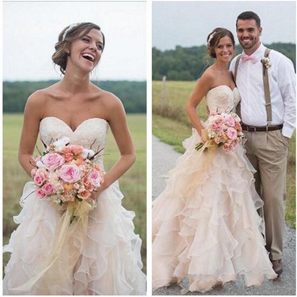 2019 New Blush Pink Backless Ruffles Wedding Dresses Country Style Lace Sweetheart Vintage Tiered Skirts Bridal Gowns with Chapel Train 1372
