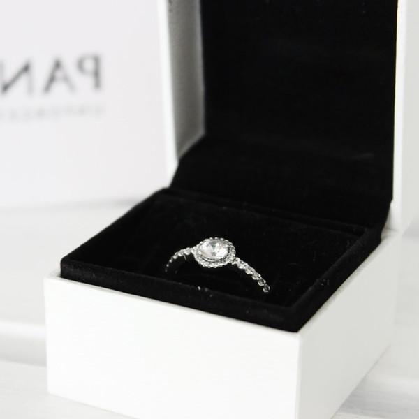 Серебряное кольцо с оригинальной коробкой