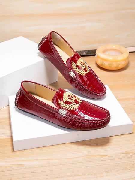 Moda Pisos Hombres Negro / Rojo Formal Casual Slip-on Cuero en relieve Hombres Pisos Oxford Mocasines Casual Hombre Mocasín Zapatos