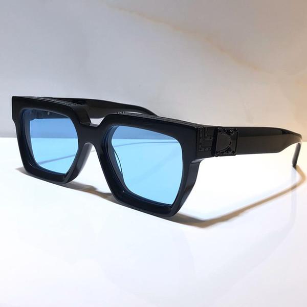 Lentille bleu noir