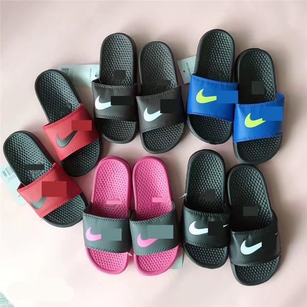 Дети дизайнер тапочки летние мальчики девочки сандалии бренда NK спортивная мягкая резиновая подошва шлепанцы Главная открытый пляж ванна вода обувь 30-35 C61803