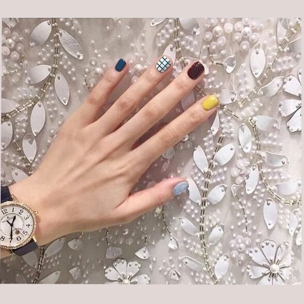 34f3e78fd1f oval fake nails Yunail 24 Pcs Oval Fake Nails Yellow Blue Solid Colorful  with Stripes In