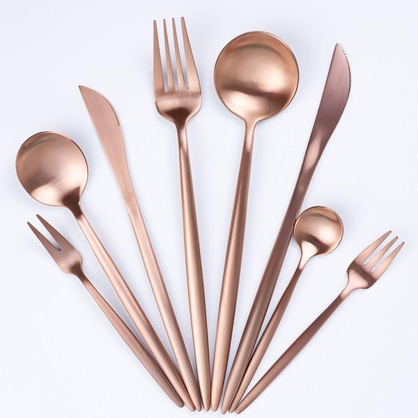 Juego de vajilla de oro rosa Vajilla Tenedor Cuchillo Cuchara Mate Oro occidental Western Metal Acero inoxidable Cuchillo de cena Tenedor Juegos de cubiertos FFA2709-1