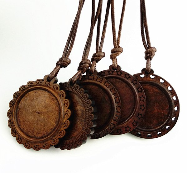 24pcs Brown Wood cabochon settings 25mm dia round blank wooden base with leather cord for necklace making Semi-finished Necklace