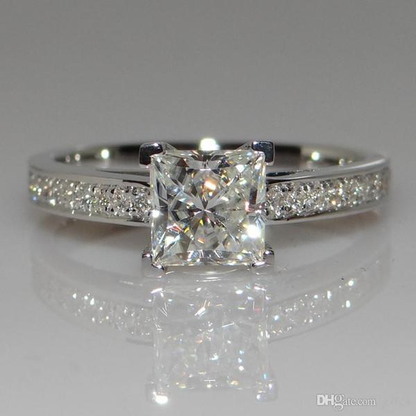 Büyük Promosyon Gerçek 925 Saf Gümüş Alyans Kadınlar için 0.7 Ct CZ Elmas Nişan Yüzüğü Gümüş Takı