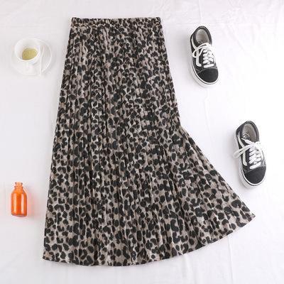 leopardo de color caqui claro