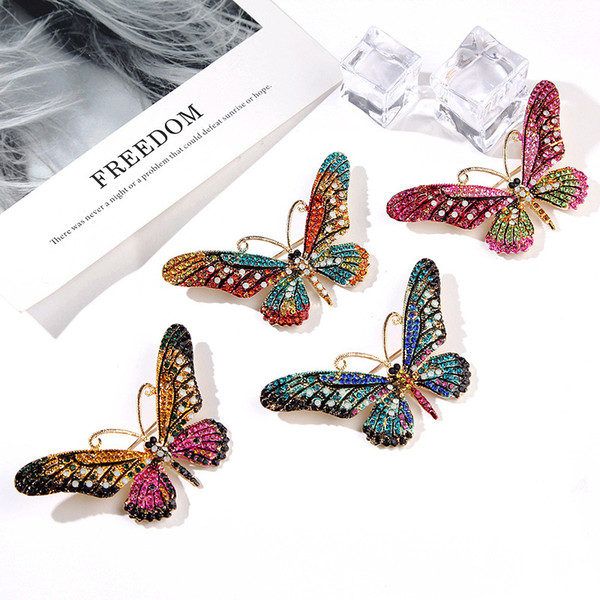 Colorful Cute Butterfly Brooch Mix Color Crystal Rhinestone Brooches for Women Lady Shirt Collar Vintage Pins Party Jewelry