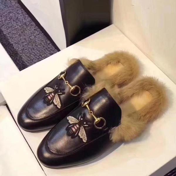2019 dames de luxe de chaussures Designers Slides Mocassins Femme Pantoufles Désinvoltes Sandales en cuir véritable fourrure Pantoufles C25