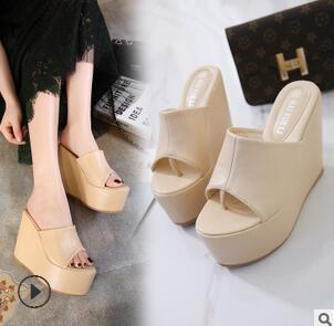 New Fashion Women's High-heeled sandals with simple toe-clip slippers in summer