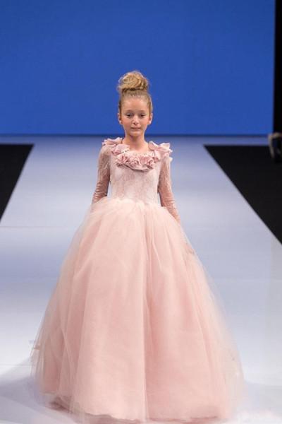New Princess Pink Girls Abiti da spettacolo Pizzo Fiori fatti a mano Fiori Tulle Puffy Maniche lunghe Backless Bambini Flower Girls Dress Abiti di compleanno