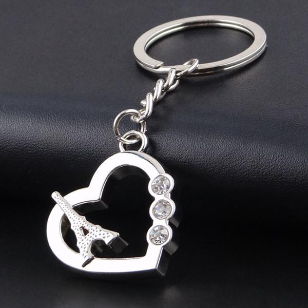Porta-chaves do coração do metal da torre Eiffel Keyrings dados forma do coração para favores de partido dos presentes da promoção