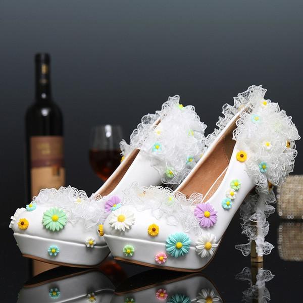 Espumoso Color blanco Banquete Tacones altos Zapatos de dama de honor Populares Flor de encaje Zapatos nupciales Fiesta de fiesta Bombas 12cm