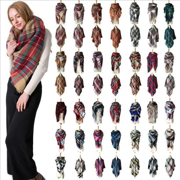 Les femmes d'hiver Triangle écharpe à carreaux chaud imitation Écharpes Cachemire Femme Châles Pashmina Filles 44 Styles Wraps Couverture 140 * 140cm Cadeaux de Noël
