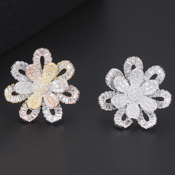 wholesale Trendy Full Cubic Zirconia Brooches Women Winter Accessories Flower Shape Exquisite Jewelry Gift for Lover Sister Mother