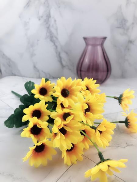 Fiori artificiali di plastica di girasole Fiori finti di plastica di simulazione floreale Decorare la decorazione di nozze del partito