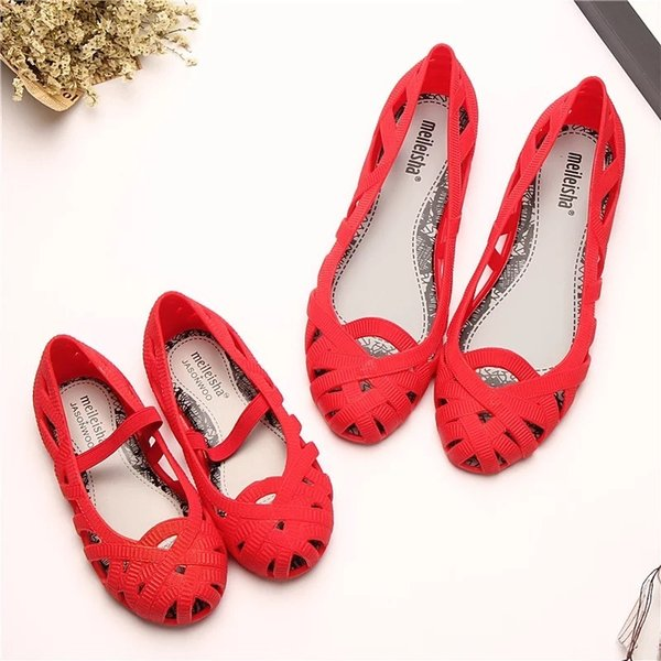 Mini Melissa 2019 Yeni Kadın Jöle Sandalet Çocuk Sandalet Roma Ayakkabı Hollow Kızlar Prenses Ayakkabı kaymaz Plaj Melissa ayakkabı MX190727