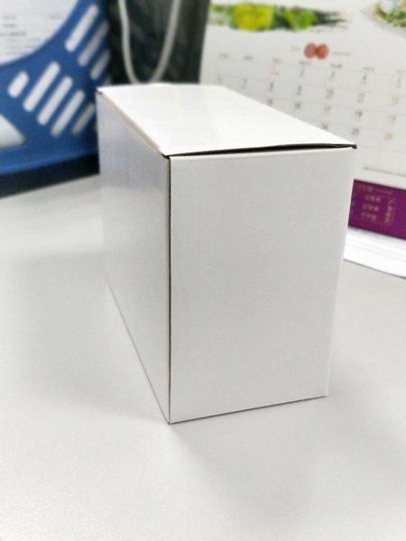 упаковывать коробки цвета