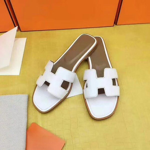 Slip-On Slippers Women Outdoor Slippers Luxury Leather Flat Shoes Fashion Open Toe Flip Flop Shoes Bule Black Color Matching Wholesale